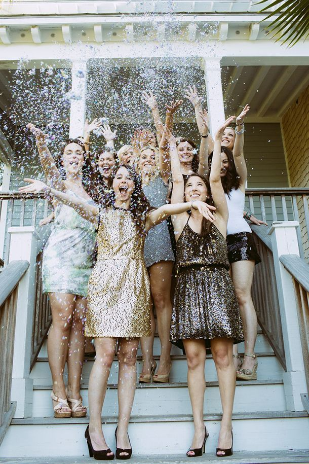 confetti ang glitter toss | Black and Gold New Year's Eve Wedding