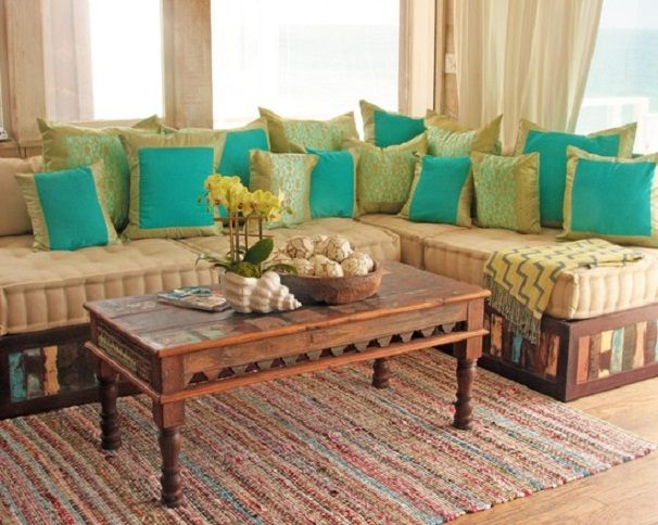 Romantic Indian Living Room Design For Women