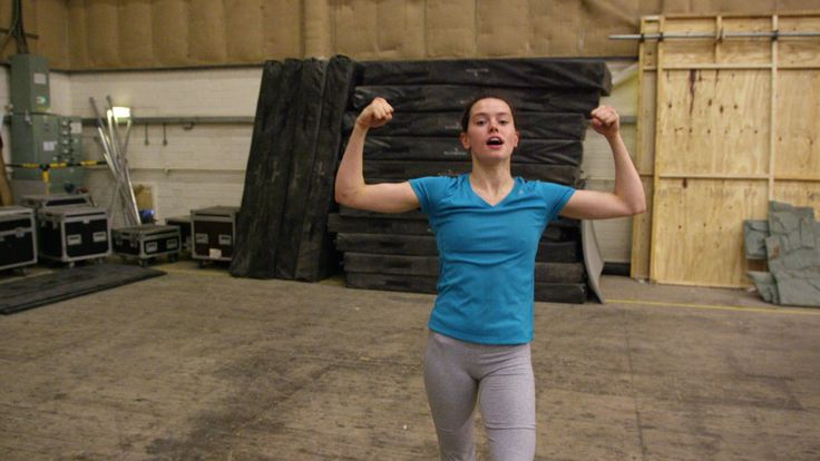 Daisy Ridley pokies in workout clothes