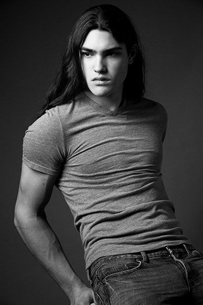 How Izzorah (Rah) might look with long hair. Perfect example of his looks.   MORPHOSIS: Michael Hudson