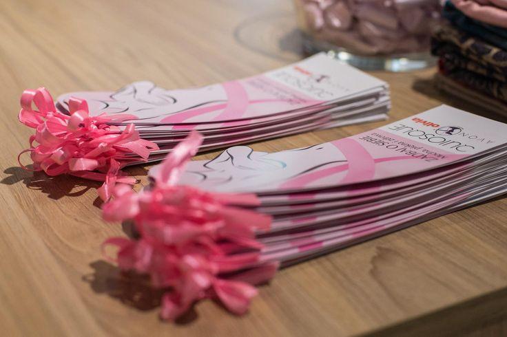 Ulotka z informacją o tym jak poprawnie wykonać samobadanie piersi. Zaprojektowaliśmy ją tak, abyś chętnie z niej korzystała... #cancer #brestcancer #health #fashion #QSQ #women
