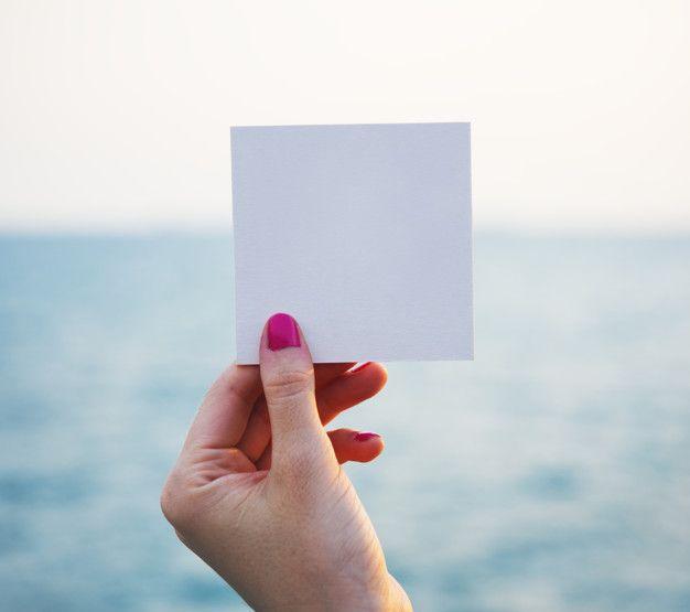 Free Hand Plus Small Paper Frame Mockup In Psd Ideias De Convite