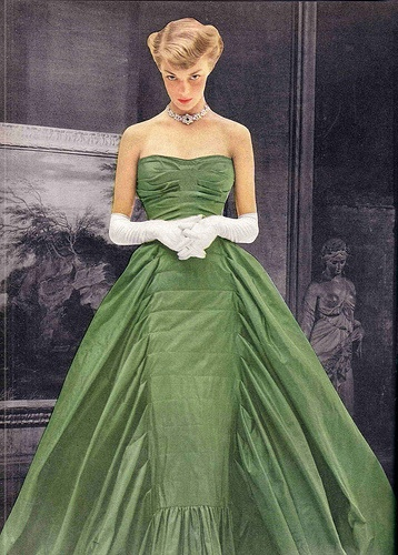 Fashion 1940s Two Female Models Flirty 40s Style Evening: Año 1940-1949: A Collection Of Women's Fashion Ideas To
