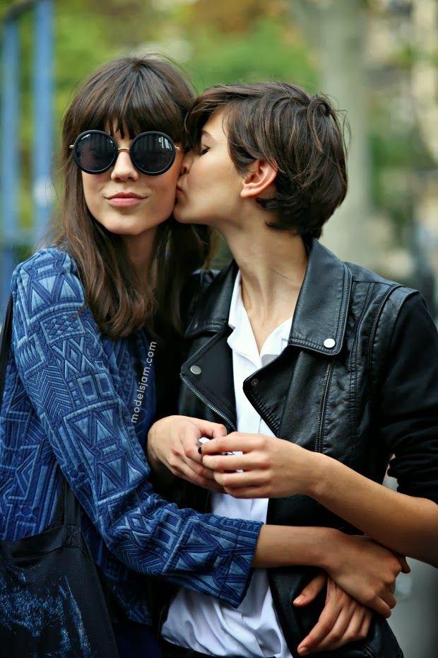 mwaah! #EwaWladymiruk & #AmraCerkezovic sharing the love #offduty in Paris.