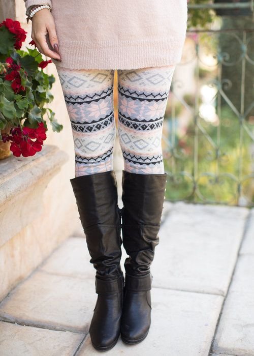 Cozy Girly Snow Flake Leggings. Modern Vintage Boutique