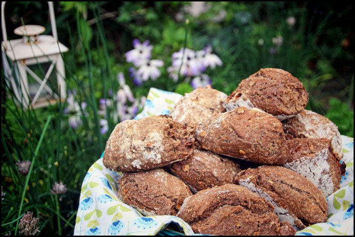 Lækre snack müsliboller til madpakken eller morgenbordet. Brød, boller, müsli, madpakke.