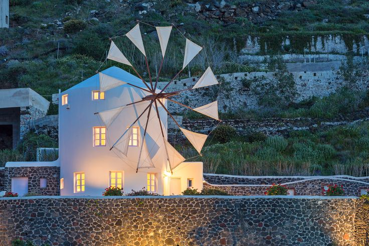 | WINDMILL VILLAS | Luxury Boutique Villas and Suites in Santorini
