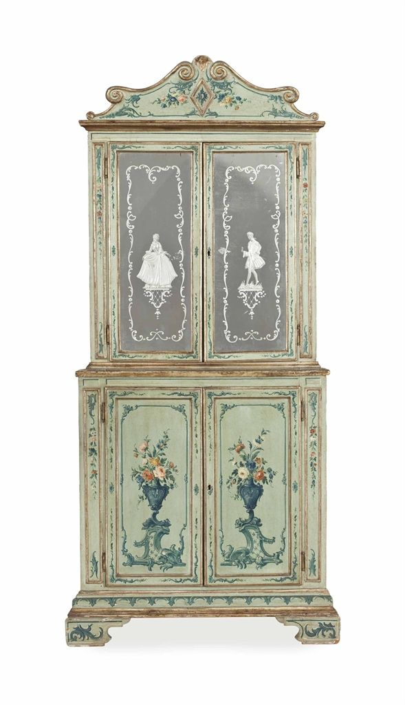 AN ITALIAN PARCEL GILT, POLYCHROME-PAINTED AND MIRROR GLASS CORNER CUPBOARD, LATE 19TH/20TH CENTURY