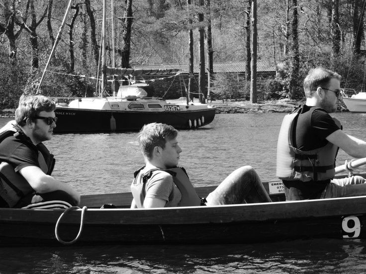 #boat #lake #row #windermere #blackandwhite