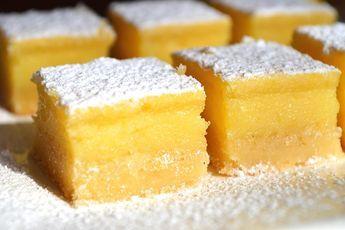 Recette de carrés au citron au Thermomix TM31 ou TM5. Réalisez ce dessert en mode étape par étape comme sur votre appareil !