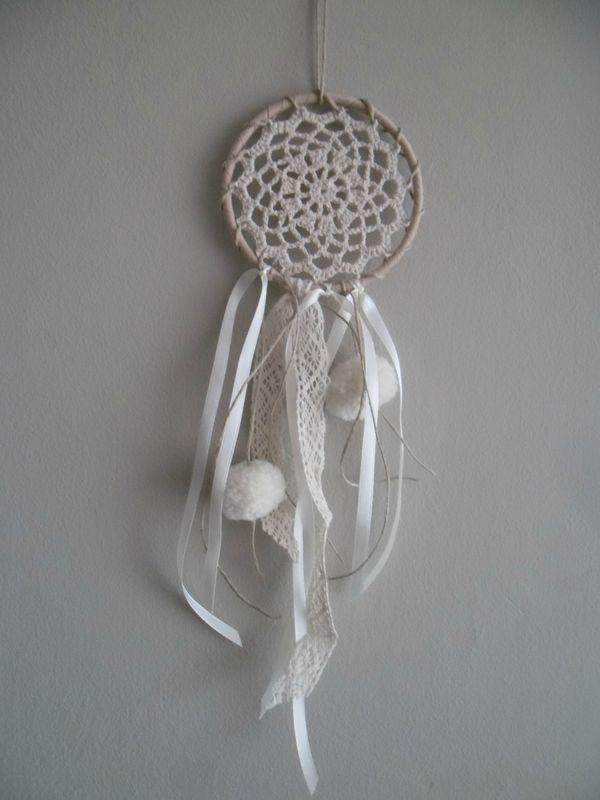 Des attrape-r�ves romantiques en lin, crochet, dentelle...