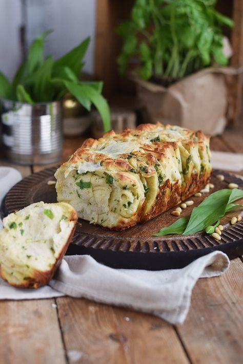 Knoblauch oder Baerlauch Kraeuter Falten Brot - Pull Apart Bread   Das Knusperstübchen