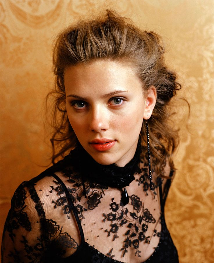 Scarlett Johannsen: Black Lace, Scarlet Johansson, Faces, Scarlett Johansson, Gorgeous Scarlett, Beauty, Beautiful People, Hair, Photo