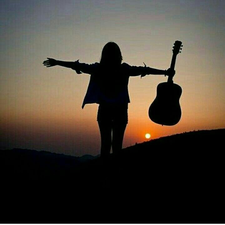 Profile pictures for girls with guitar