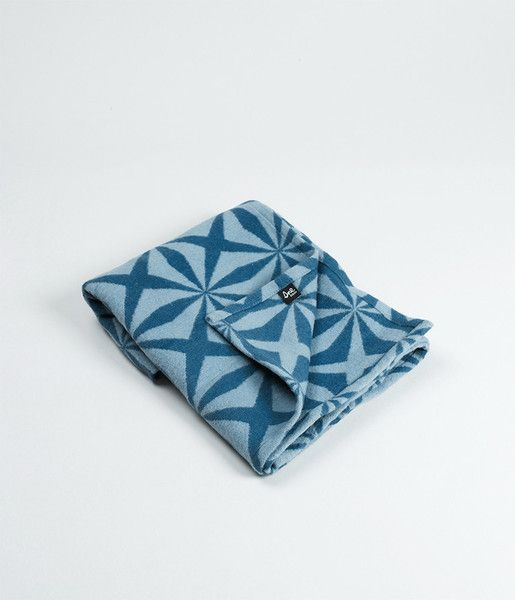 Sne design baby blanket. Brushed GOTS organic cotton.