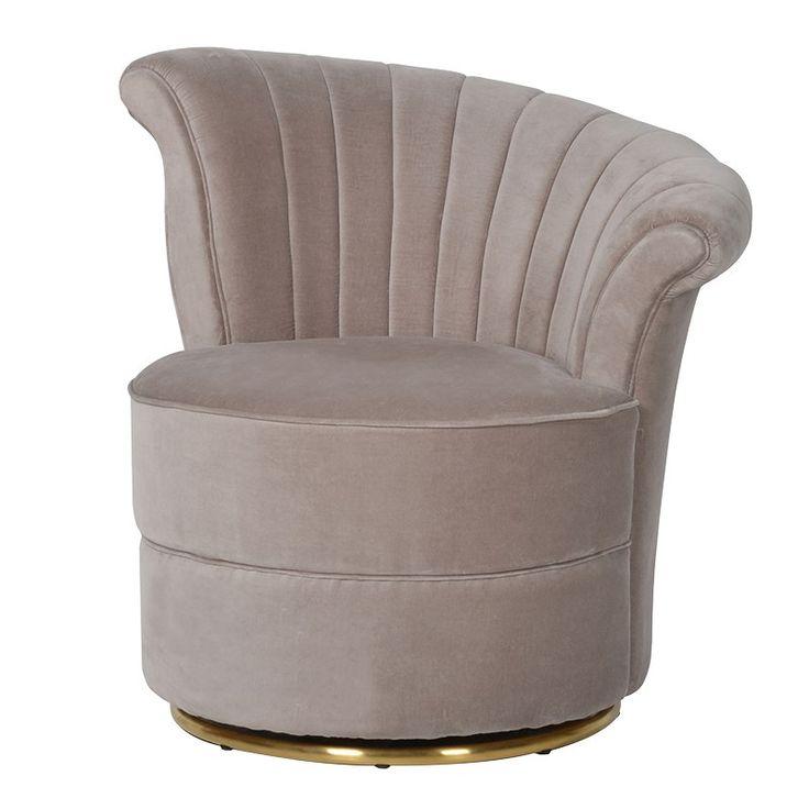 Art Deco inspirerad fåtölj som för tankarna bakåt i tiden. Nätt i designen. Klädd med ljusnougat sammet. randsydd och dekorerad. Riktigt läcker.