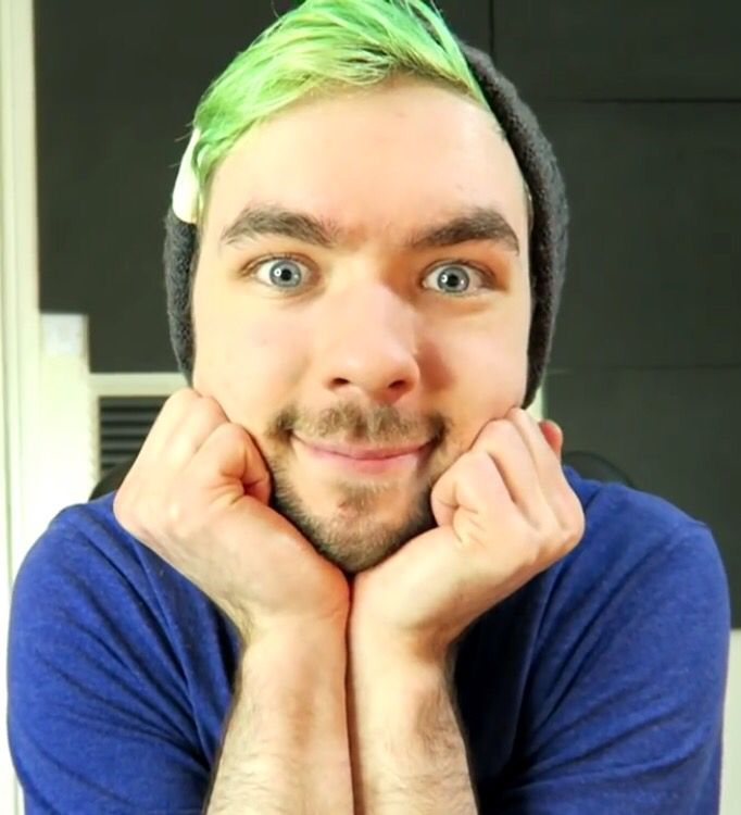 JackSepticEye: Reading Your Comments #74  *Prepares to be astonished* <3