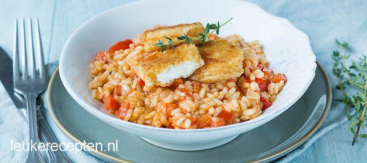Paprika risotto met gebakken geitenkaas - Heerlijk vegetarisch gerecht van smeuïge risotto met krokant gebakken geitenkaas