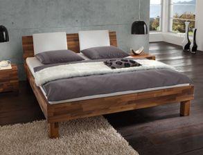 Doppelbett Caracas aus massivem Nussbaum-Holz | Betten.de