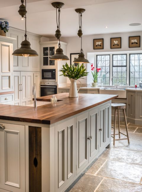 Farmhouse Kitchen with Pendant Lighting and Apron Sink