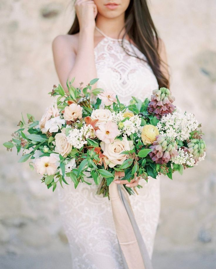Bouquet for dayyyyyyys.  Beautiful arrangement by @egfloraldesign  another frame from my last private workshop for @lovetreestudios #jeremychouphotography #jeremychouworkshop #mamiya #ishootfujifilm #fujifilm   Design | @chloeandmint  Hair and makeup | @gracelinmakeup   floral | @egfloraldesign   gown by | @tara_lauren   ring by | @trumpetandhorn   calligraphy | @seniman_calligraphy   Model |  @willowmodels @smendalll  Lab | @thefindlab