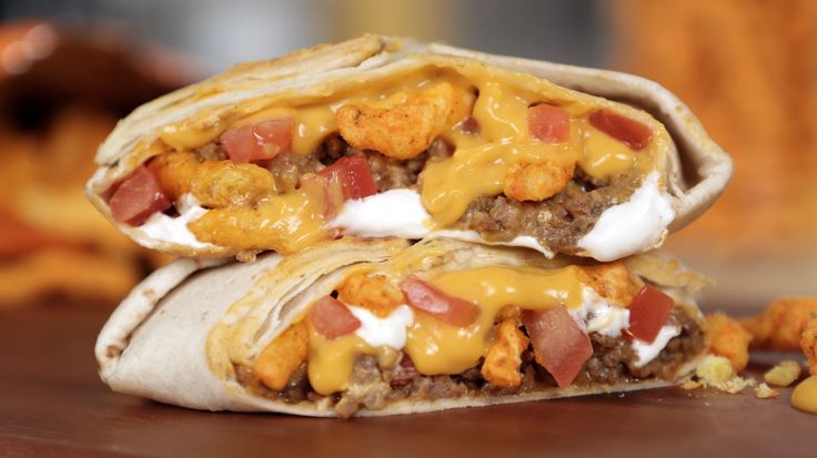 The Best Drunk Food Decision: This Taco Bell Cheetos Crunchwrap Hack: We here at POPSUGAR love a good mashup.