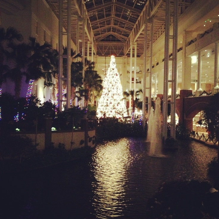 Christmas Decorations At Gaylord Opryland Hotel #Nashville