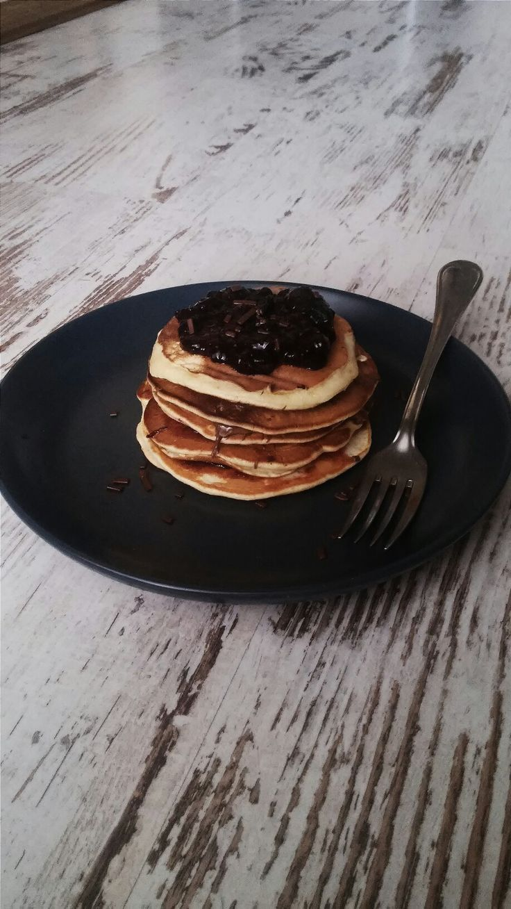 Pancakes with nutella a plum jam! #pancakes #yummy #easy