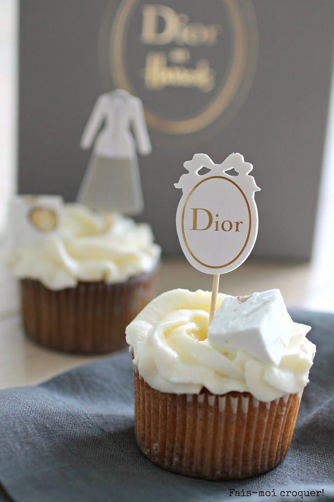 J'ai eu la chance et le plaisir de me voir offrir il y a quelques temps un kit de cupcake Dior créé spécialement pour l'exposition Christian Dior qui a eu lieu chez Harrod's à Londres! Il fallait donc faire honneur à ces caissettes Couture!  J'avais l'idée depuis un moment d'un cupcake au nougat et […]