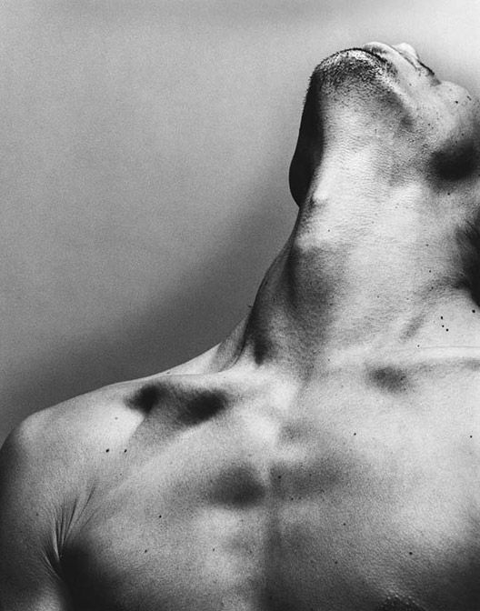 "NodiMe: beautiful details of a man body. From the board ""Fine Art Photography Men"" by Armand Lubbe. Nadav Kander 