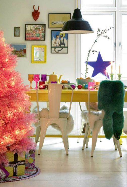 Scandinavian Christmas decor... who said Christmas had to be traditional... funk it up! xoPiper