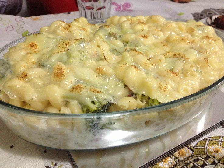Receita de Macarrão com brócolis no forno da Lidi - Tudo Gostoso  http://tudogostoso.me/r157528