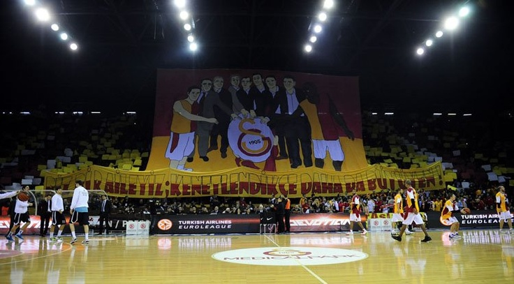 Galatasaray - Efes - 22 FEB 2012 - Euroleague... We are a family