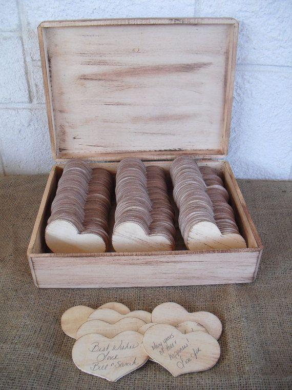 Libros de firmas para bodas de corazones rústicos hechos de madera para que los invitados dejen sus mensajes