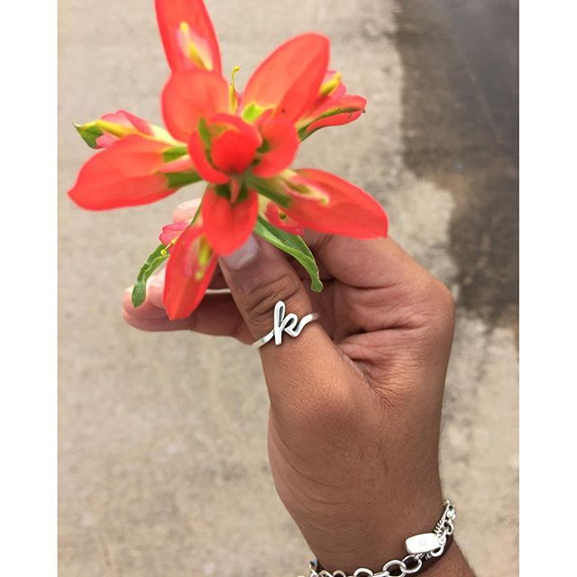 The Script Initial Ring looks great as a thumb ring on this James Avery customer! #jamesavery
