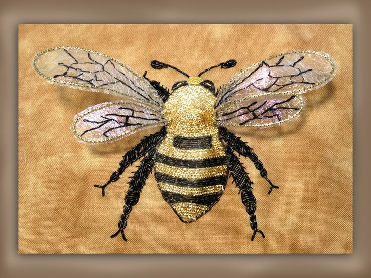 how to embroider a large goldwork bumble bee with realistic wings