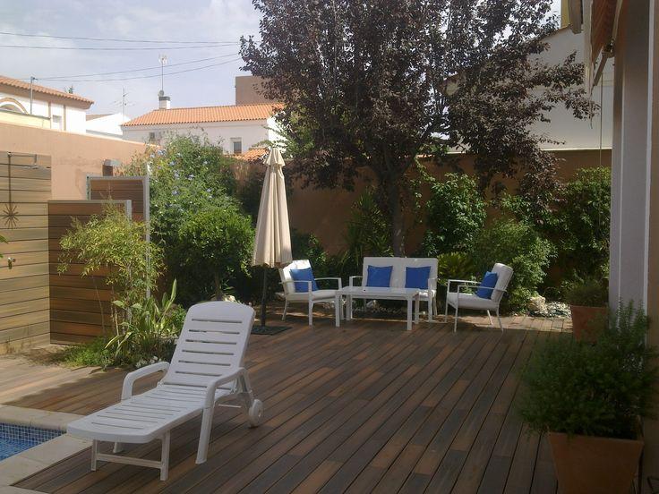 Jardín trasero en vivienda privada adosada, Peñarroya (Córdoba).