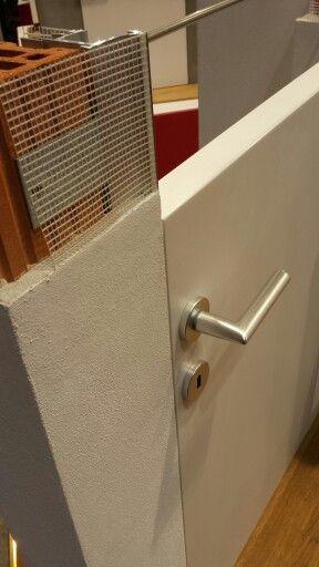 Telai per porte a filo muro illustrate in sezione da #AGS Systems. #MADEexpo