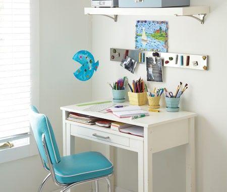 Organizing School Supplies Study Es Kids Desk Esmall