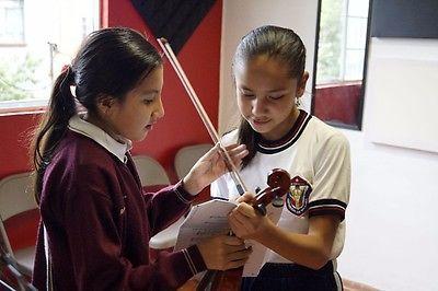 "Clases de Violín en: ""Blowing Music""  #Clases, #Violin, #Blowing, #Music"