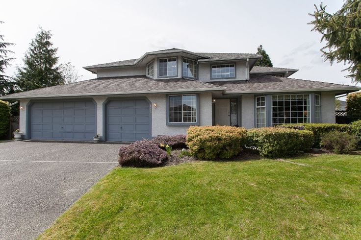 Main Photo: 8361 143A Street in Surrey: Bear Creek Green Timbers House for sale : MLS(r) # R2161623