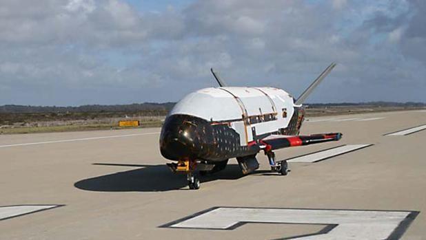 El avión espacial secreto X37B del Pentágono bate récord en órbita La misión en curso del avión espacial robótico X-37B de la Fuerza Aérea de Estados Unidos se ha convertido ya en la más larga en la historia de e... http://sientemendoza.com/2017/03/29/el-avion-espacial-secreto-x37b-del-pentagono-bate-record-en-orbita/