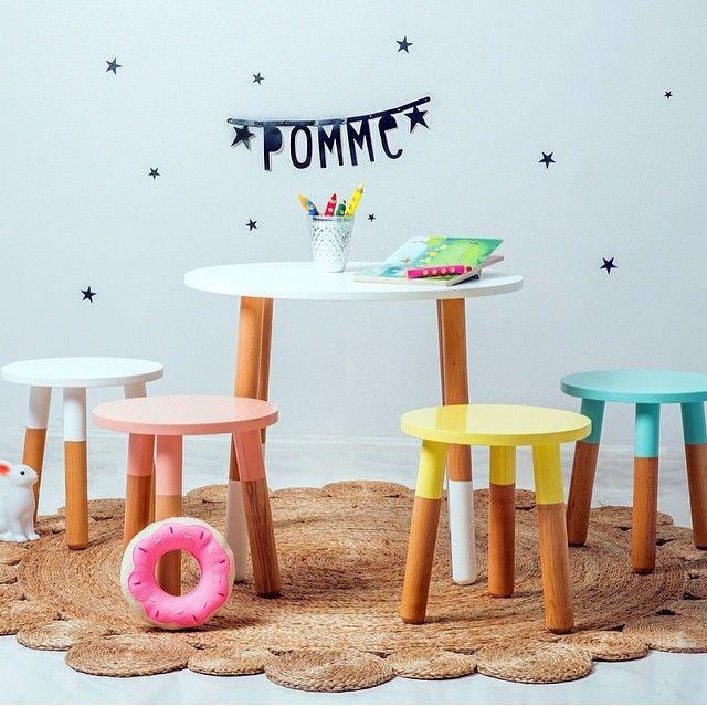 """""""Så fina möbler från @pommekids! #barn #småbarn #barnmöbler #barnrum #barninteriör #barnrumsinspiration #färgglatt #trä #kids #toddlers #kidsroom…"""""""