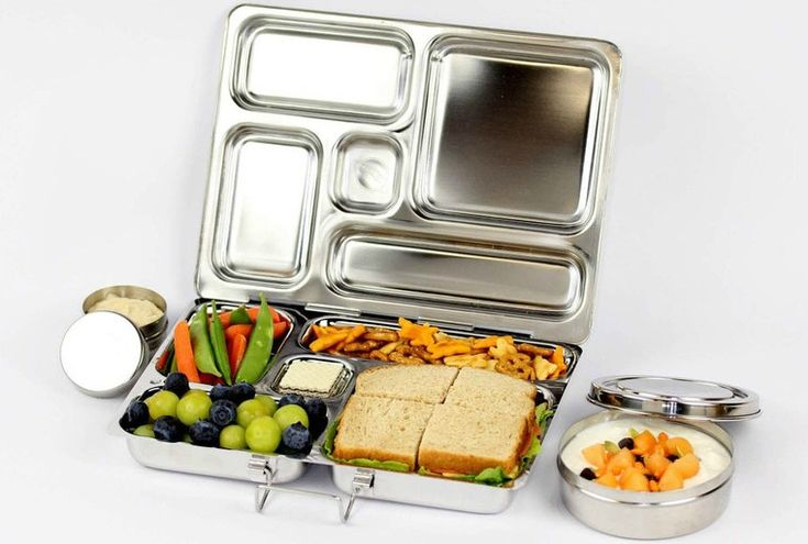 Rover Lunchbox from PlanetBox - love the stainless steel design and different size compartments! #backtoschool: Planetbox Rovers, Plastic Bags, Carrie Bags, Schools Lunches, Kitchens Dining, Lunches Boxes, Lunches Ideas, Boxes Lunches, Rovers Lunchbox
