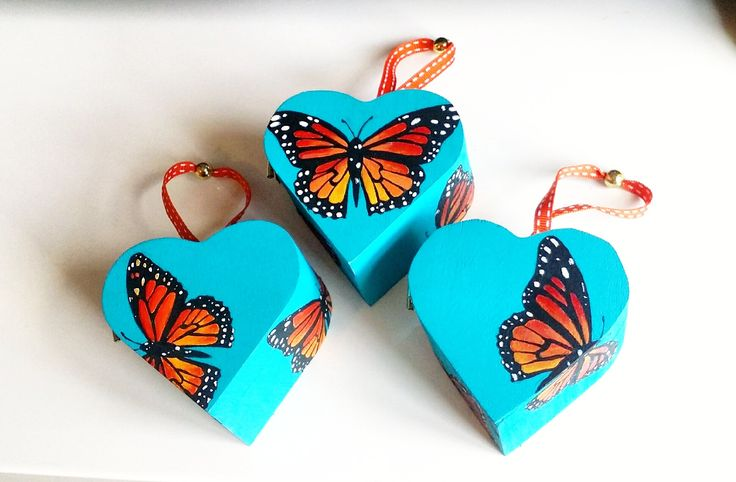 Three heart shaped, hand painted, unique butterfly trinket boxes. Unique, wooden boxes painted with eye catching, contrasting colours by POPnBOX on Etsy