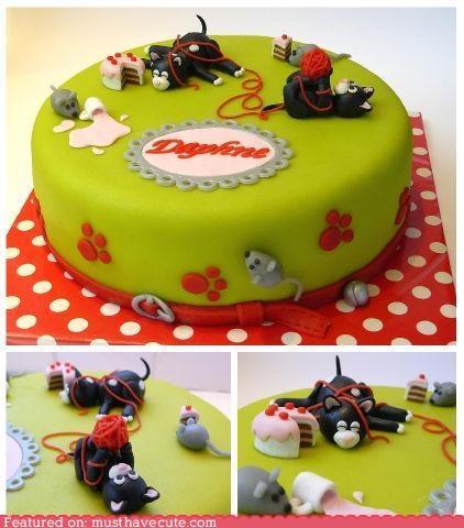 Risultato della ricerca immagini di Google per http://musthavecute.files.wordpress.com/2011/02/cute-kawaii-stuff-epicute-cakes-on-a-cake.jpg
