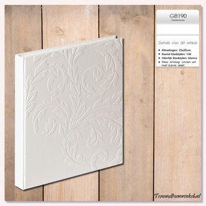 Maat: 23x25cm. Inhoud: 144 bladzijden. Wit gastenboek met hardcover omslag in linnen look met barok patroon. Neutraal gastenboek dat bijvoorbeeld ook voor een jubileum gebruikt kan worden.