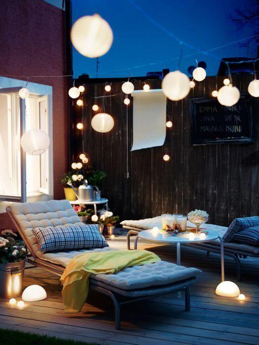 Ideias criativas. O que dá encanto a esta exposição de terraço é a iluminação. Está perfeita e assim foi criado um ambiente intimista capaz de captar aqueles momentos especiais que há na tua casa...