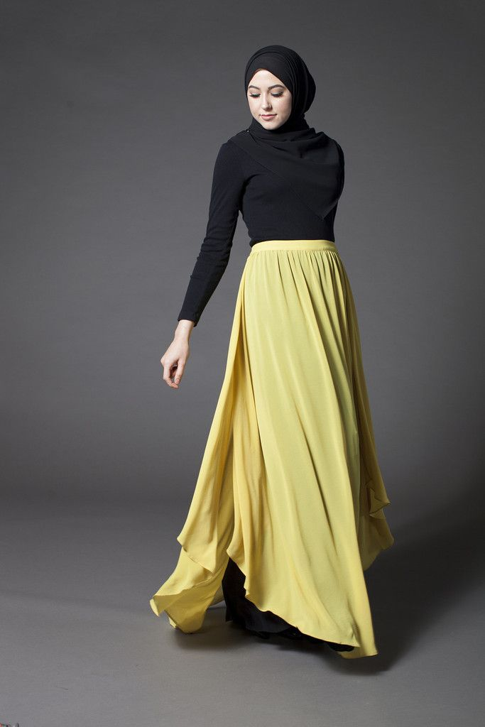 The Milano High Waist Skirt from Verona Collection www.verona-collection.com #Verona #Veronacollection