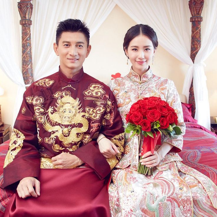Taiwanese celebrities Nicky Wu and Cecilia Liu in traditional Chinese kwa and suit {Facebook and Instagram: The Wedding Scoop}